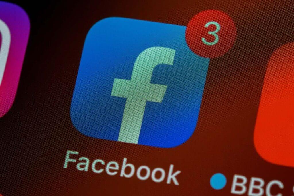 facebook trzy powiadomienia